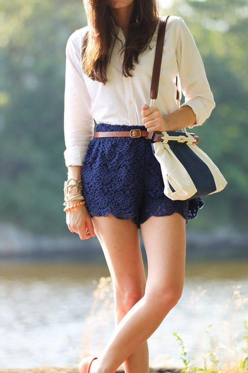 i want some lace shorts so bad..