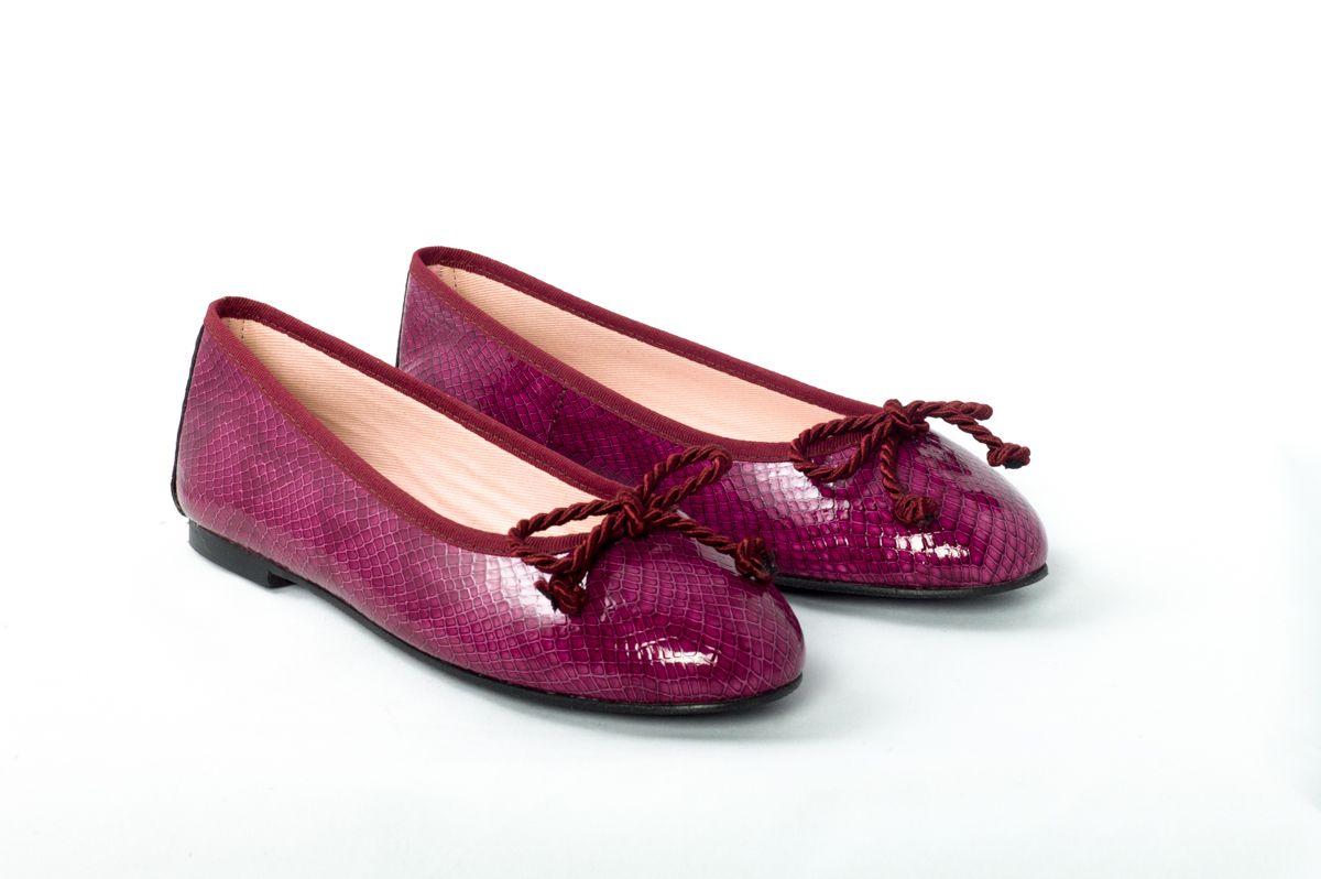 Bailarina Eloisa piel tipo boa acharolada color rosa oscuro. #BailarinasEloisa #Bailarinas #zapatos #Eloisa
