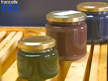 Bees created colored honey after eating M waste #apiculture