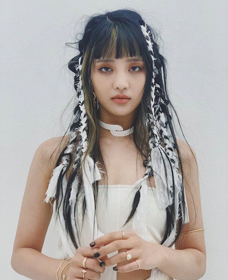 G)I-DLE CHART DATA🌴 on Twitter | Beauty, Kpop girls, Hair