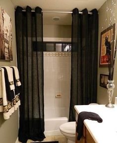 Shower Curtain Ideas For Your Narrow Bathroom Design