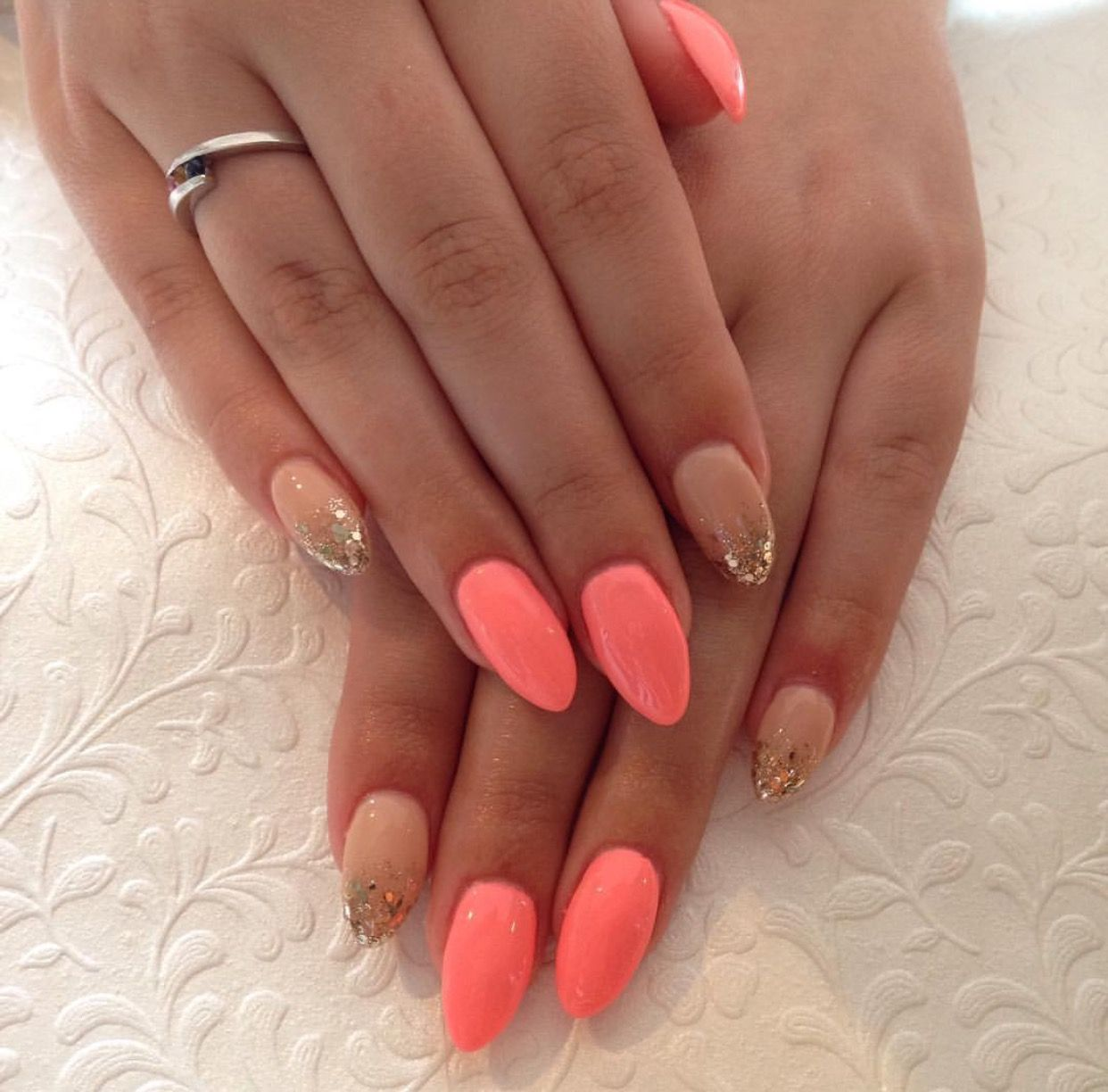 coral and nude nails hochzeit styling pinterest. Black Bedroom Furniture Sets. Home Design Ideas