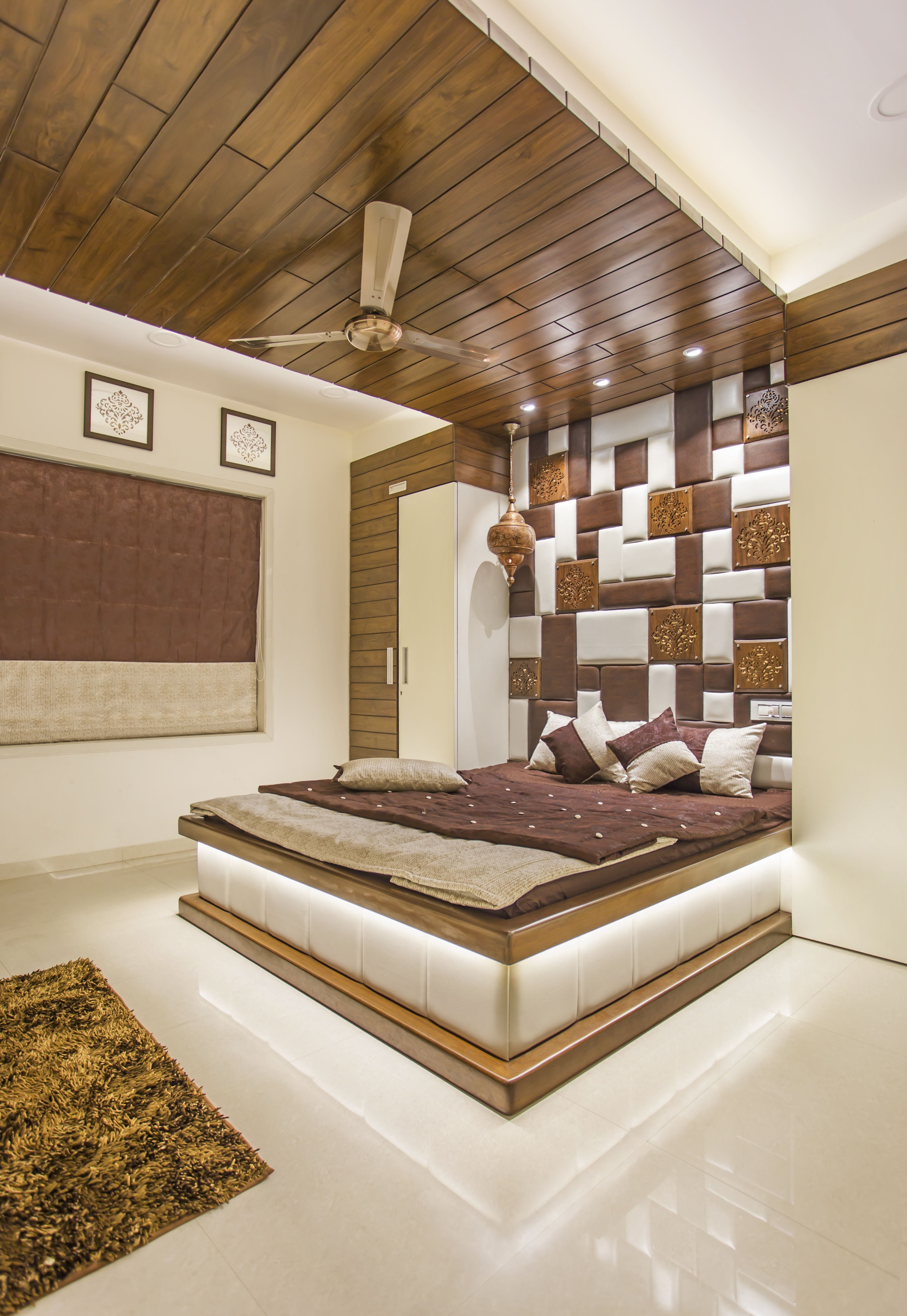 Platform Bed Ideas Believe Platform Beds Are Simply For Modern Style Bedrooms Think Again Ceiling Design Bedroom Bedroom False Ceiling Design Bedroom Design