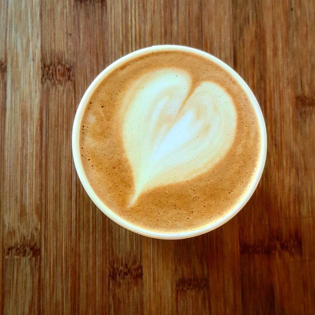 Afternoon Delight  #coffee #kaffeecoffee #coffebreak #coffeesesh #latte #latteart #espresso #chemex #coffeelove http://ift.tt/1U25kLY