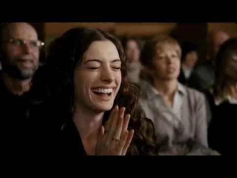 Más Info Http Www Trailersyestrenos Es Maggie Murdock Anne Hathaway Es Una Seductora Mujer Que No Deja Q Amor Y Otras Drogas Jake Gyllenhaal Gyllenhaal