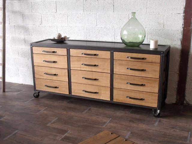 commode 12 tiroirs subtil m lange du bois et du m tal pour ce buffet au design industriel www. Black Bedroom Furniture Sets. Home Design Ideas