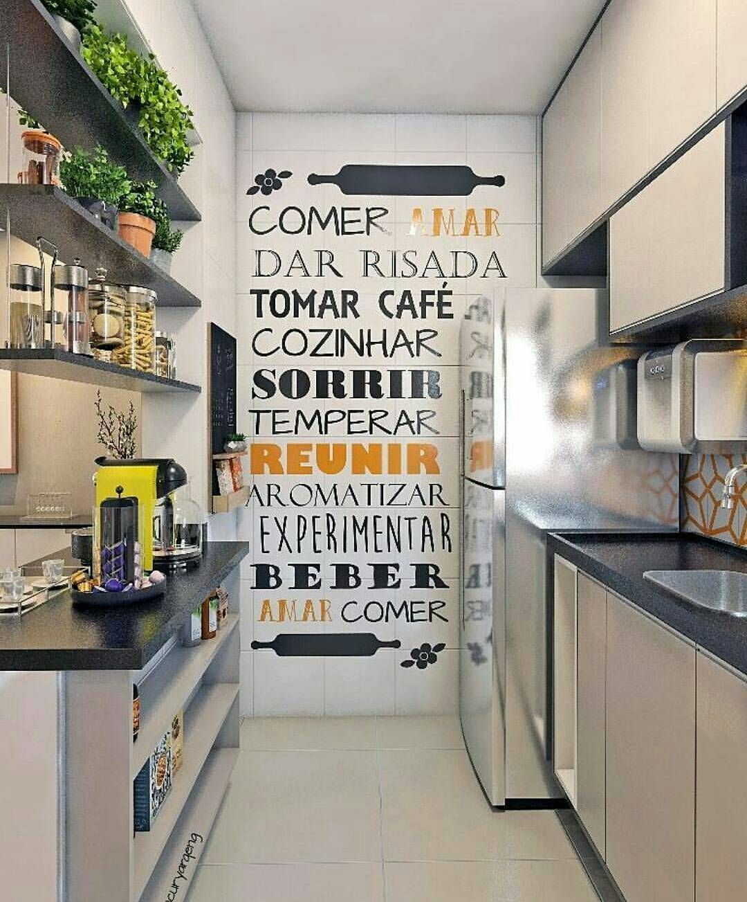 81672ec1b Destaque para parede com frase  cozinha  cozinhapequena  charme ...