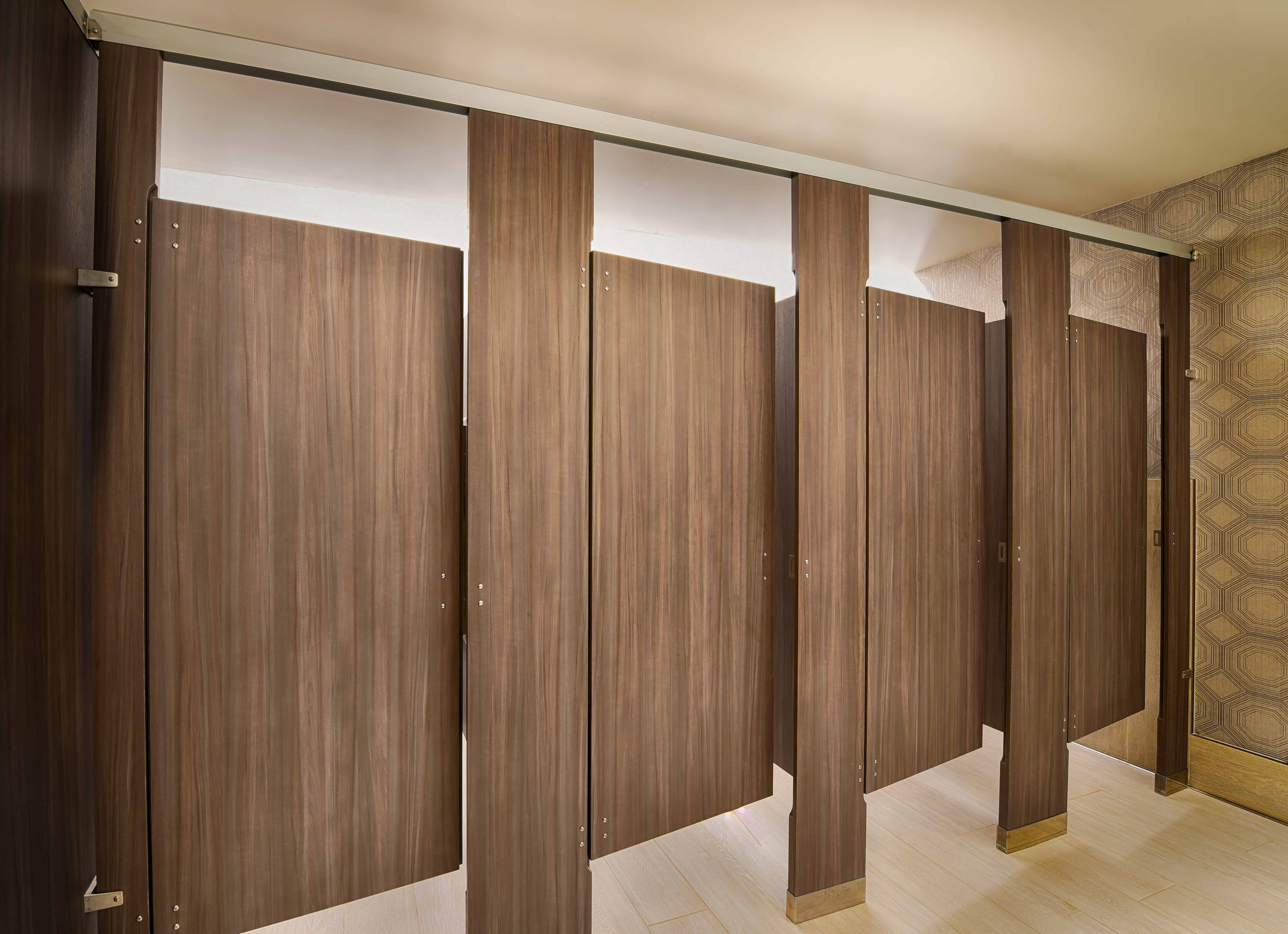 Ironwood Manufacturing Laminate Toilet Partitions With Zero Sightline Doors Add Privacy For A Publi Restroom Design Washroom Design Commercial Bathroom Designs