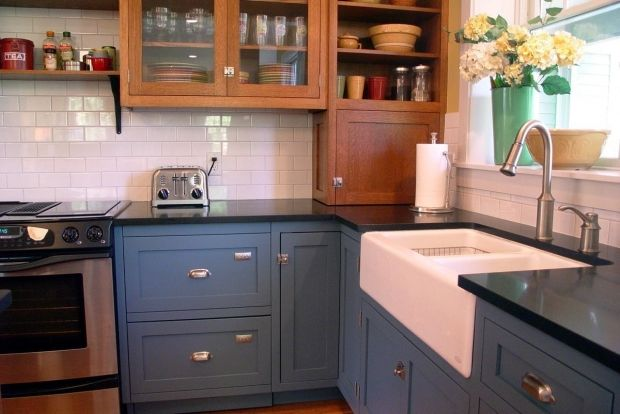 Best The Vintage Blue Lower Cabinets In This L Shaped Kitchen 400 x 300