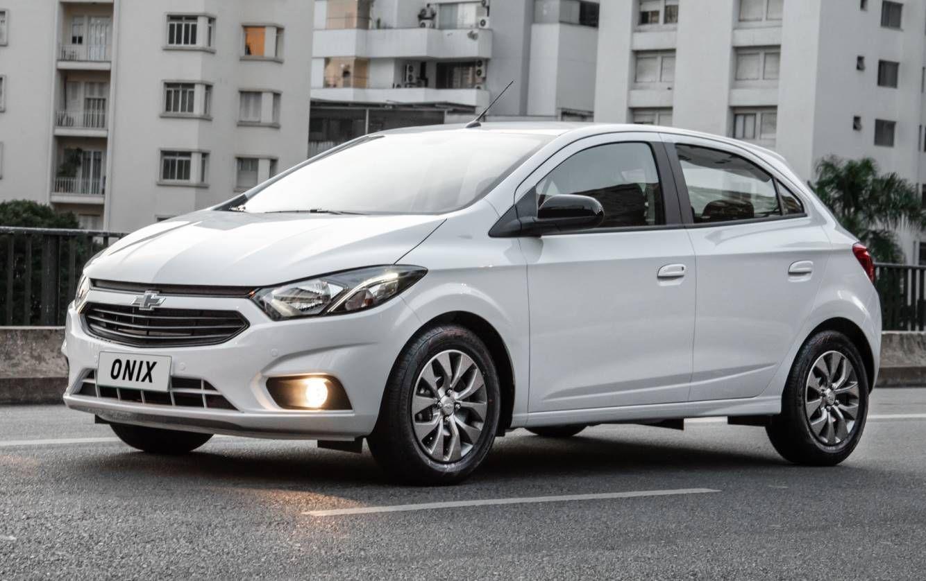 Chevrolet Onix Joy 2020 Recebe Atualizacao Visual Mundo Do Automovel Para Pcd Wallpapers Carro Toyota Corolla Concessionaria Chevrolet