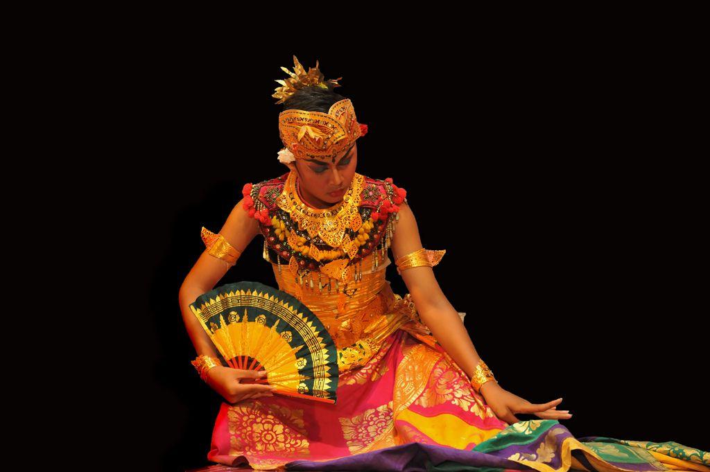 balinese fan dance