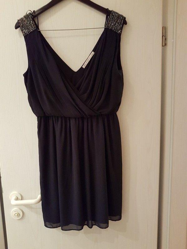 Luftiges Zara Cocktail-Kleid mit Pailletten besetzt (L) in dunkelblau