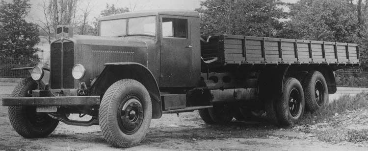 camion renault tout terrain vtd en 1931  u00a9 renault communication    photographe inconnu