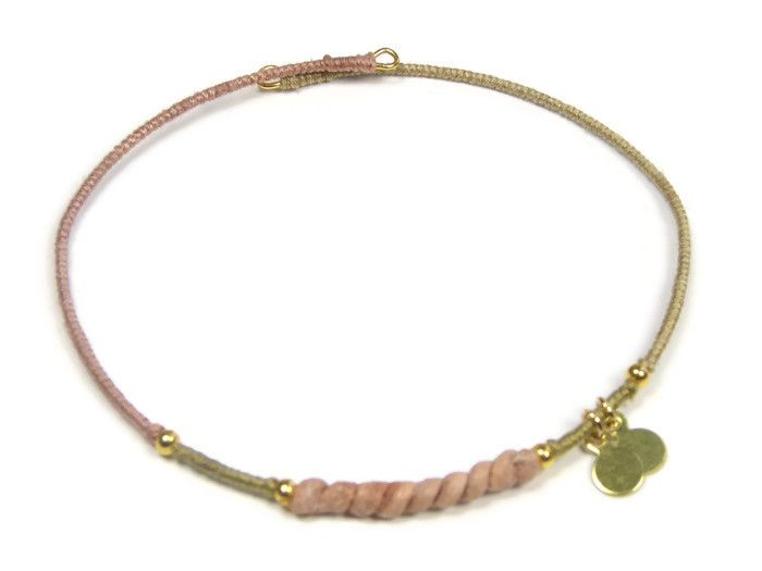Sophisticated gold jewelry. Bracelets with silk, leather and gold pleated charms. www.sophisticatedgold.nl