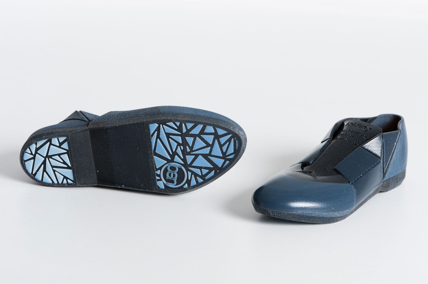 The 3D print[ed shoe] contains different materials. Some parts of the shoe are more flexible, others more rigid. By Benjamin Vermeulen