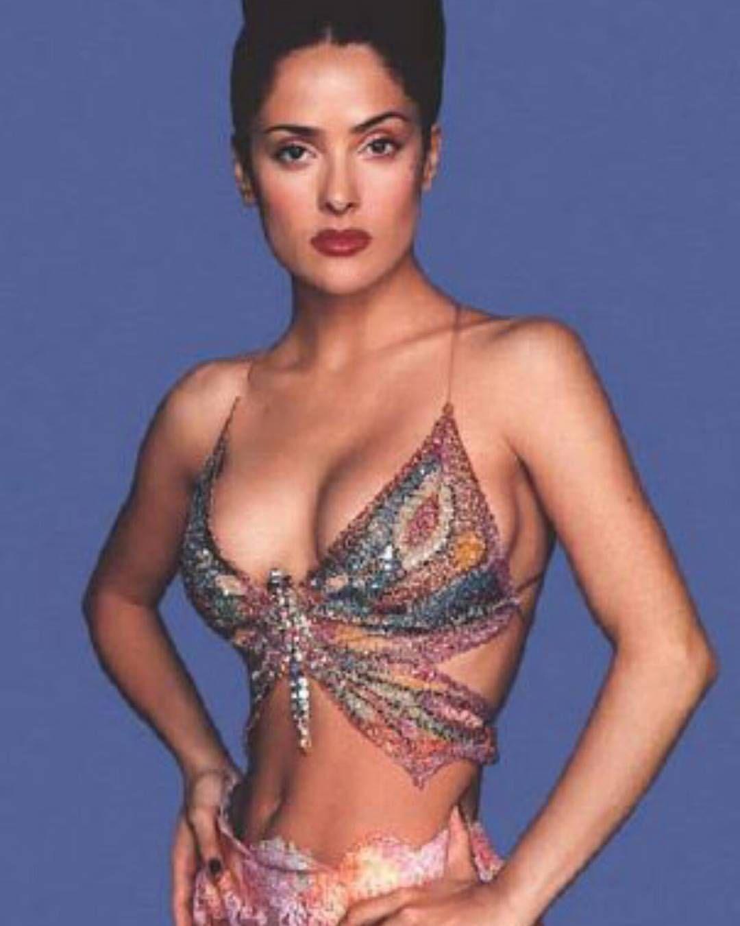 4de0aeb1ae Salma #salmahayek #salma #90s #actress #pretty #beauty #90sgirlcrush  #ilovethe90s #butterfly #popculture #fame #moviestar #girlpower✌
