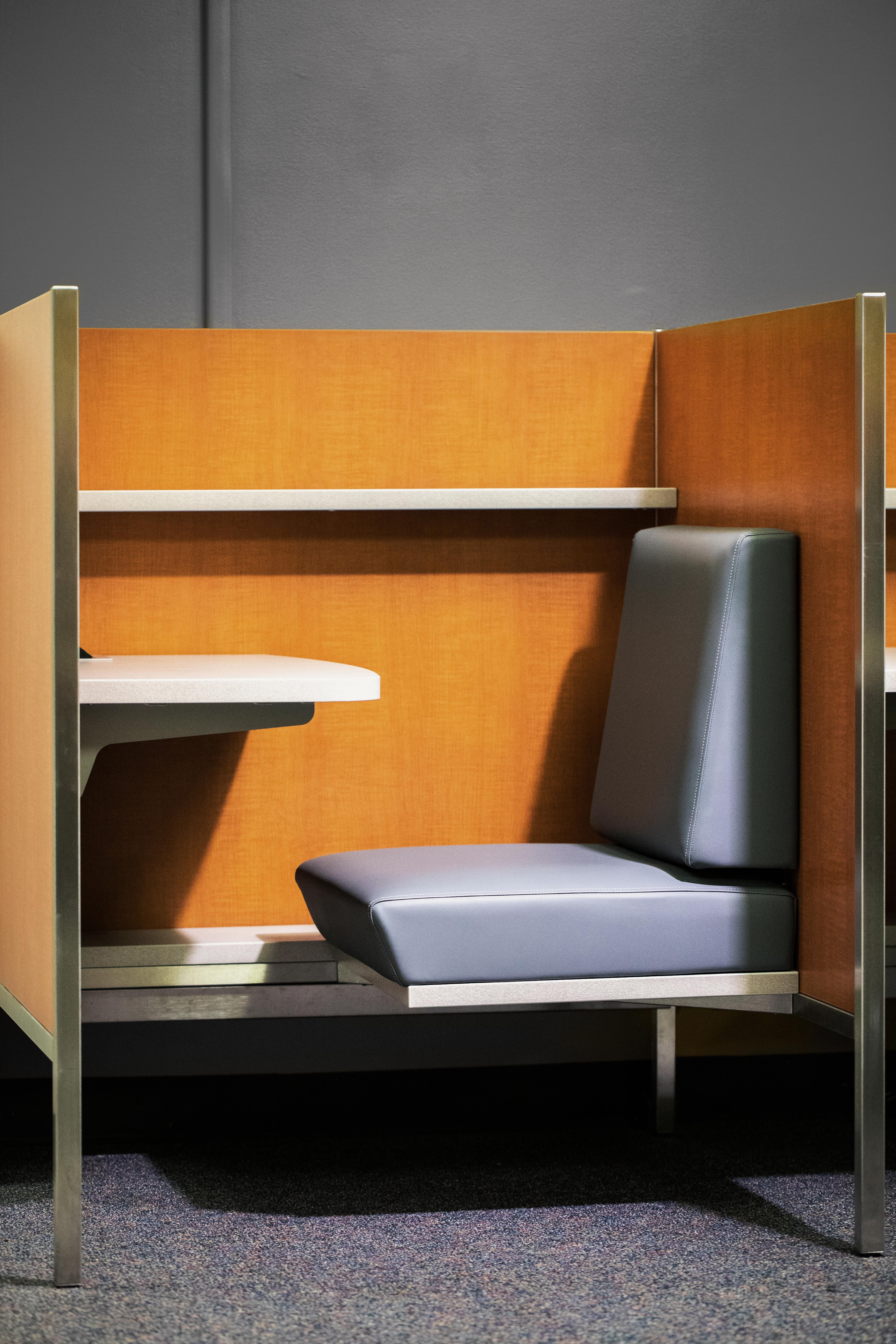 Pin By Dreamality On Escultura In 2020 Library Furniture Design