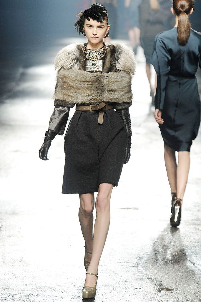 Lanvin Fall 2009 Ready-to-Wear Fashion Show - Anabela Belikova (SILENT)