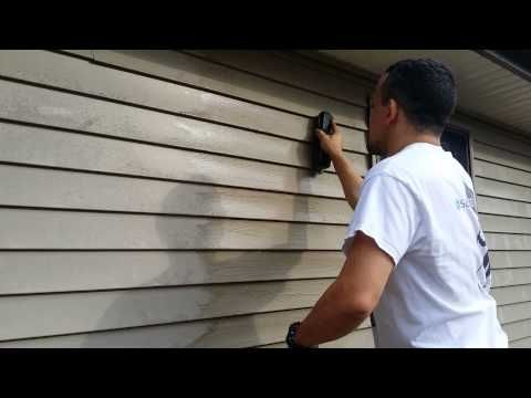 Here S How To Clean Vinyl Siding On Your House Without A Power Washer Cleaning Vinyl Siding Vinyl Siding Vinyl Siding Maintenance