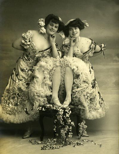 1906 dance hall girls - Some saloons even included piano players ...