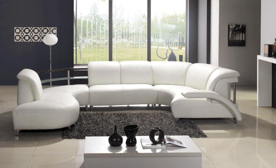 Living Room. Contemporary White Leather Sofa on Grey Shaggy Rug ...