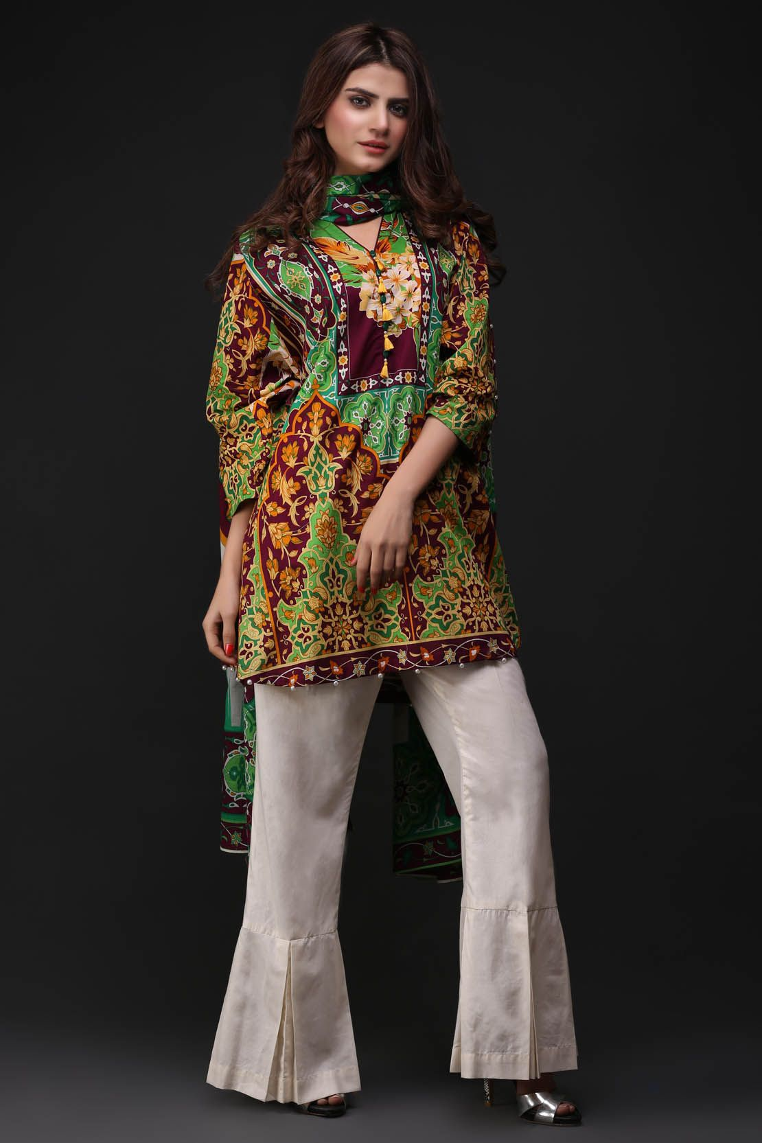9473aa6f41 Printed embroidered suits lawn dupattas- warda latest summer lawn collection  2018-2019 (2)