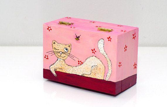 Girl jewelry box - Cat jewelry box - Girls jewellery box - Painted small wood box - Jewelry organizer - Wooden jewelry box - Christmas gift under 25 usd