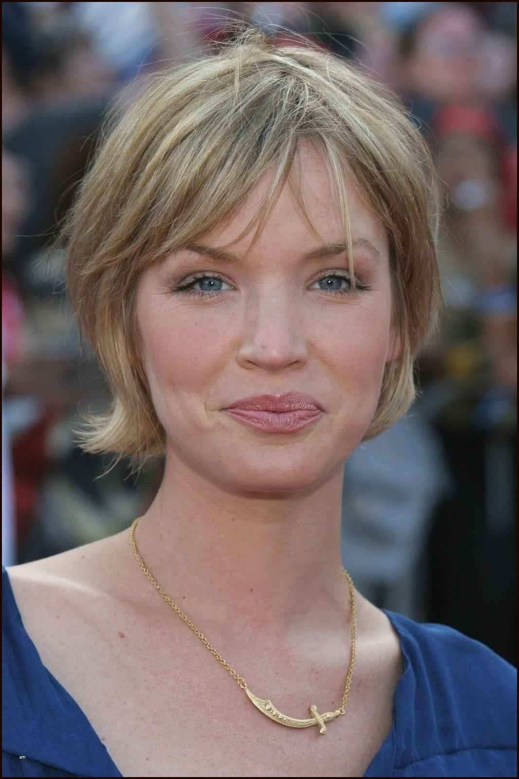24 Glamorous Hairstyles with Swept Bangs   Short hair with ...
