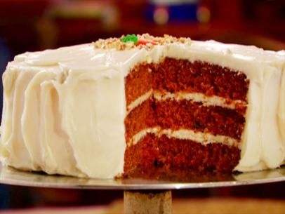 Carrot Cake with Marshmallow Fluff Cream Cheese Frosting #marshmallowflufffrosting