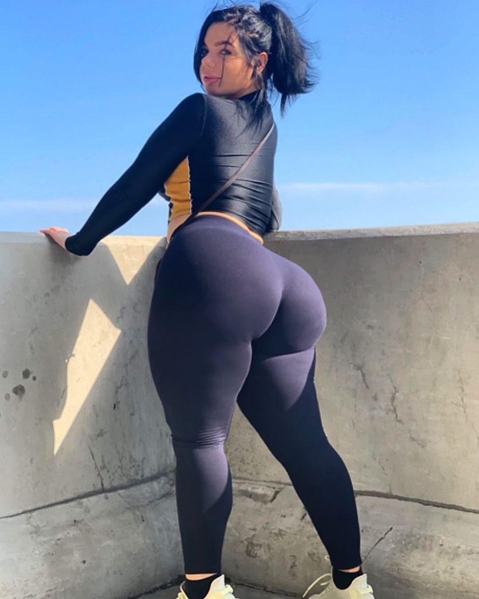 Ass thick 32 Times
