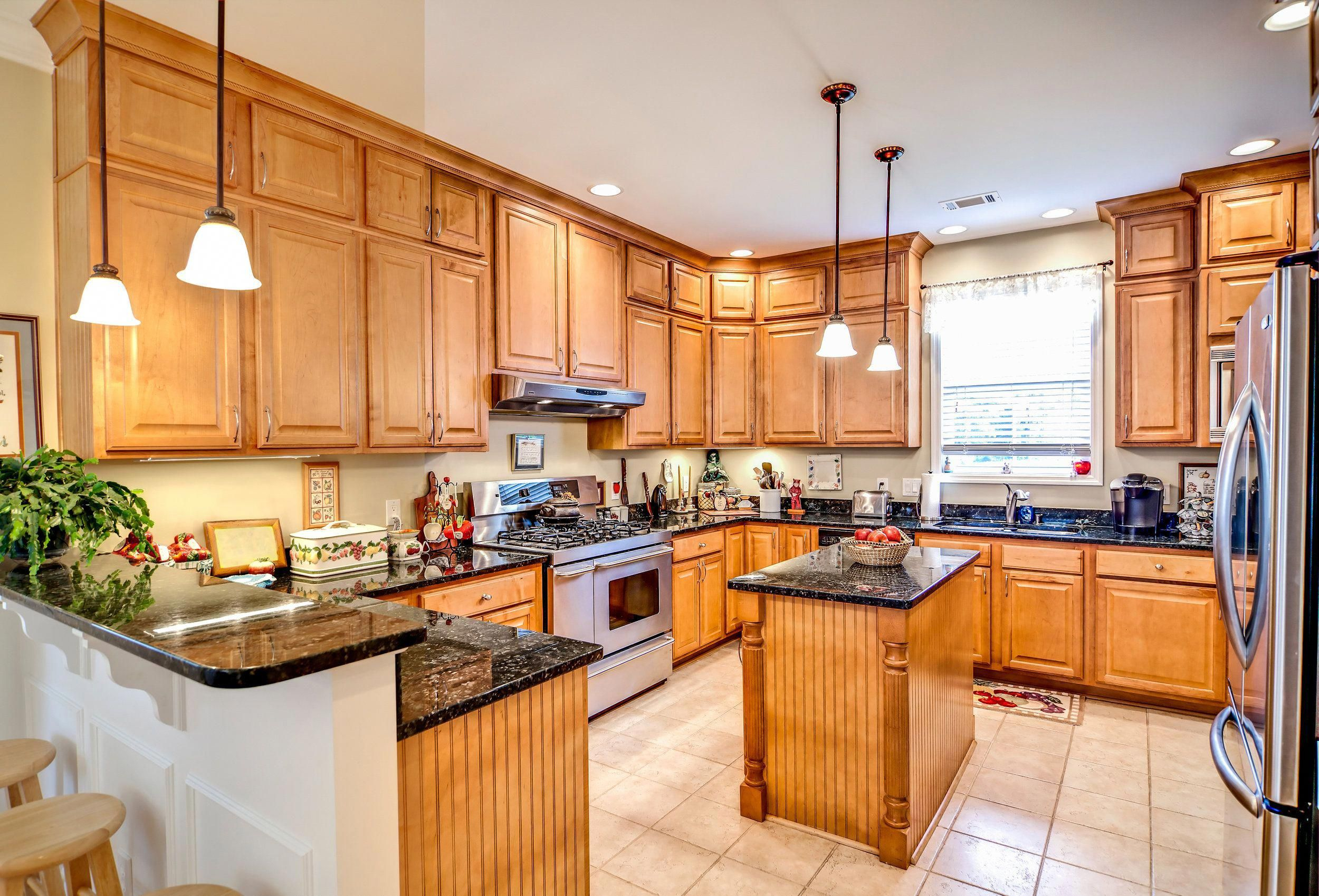 excellent kitchen countertops | Lxm real estate actions & overlays | Outdoor Kitchen ...