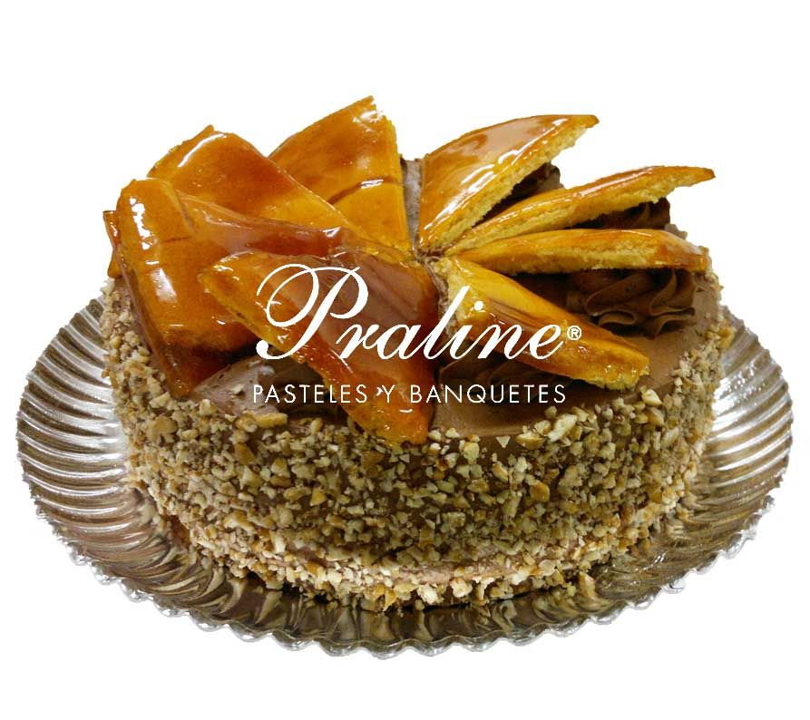 Pastel dobosh pan de vainilla con crema de chocolate y nuez picada decoraci n con obleas de - Decoracion con caramelo ...