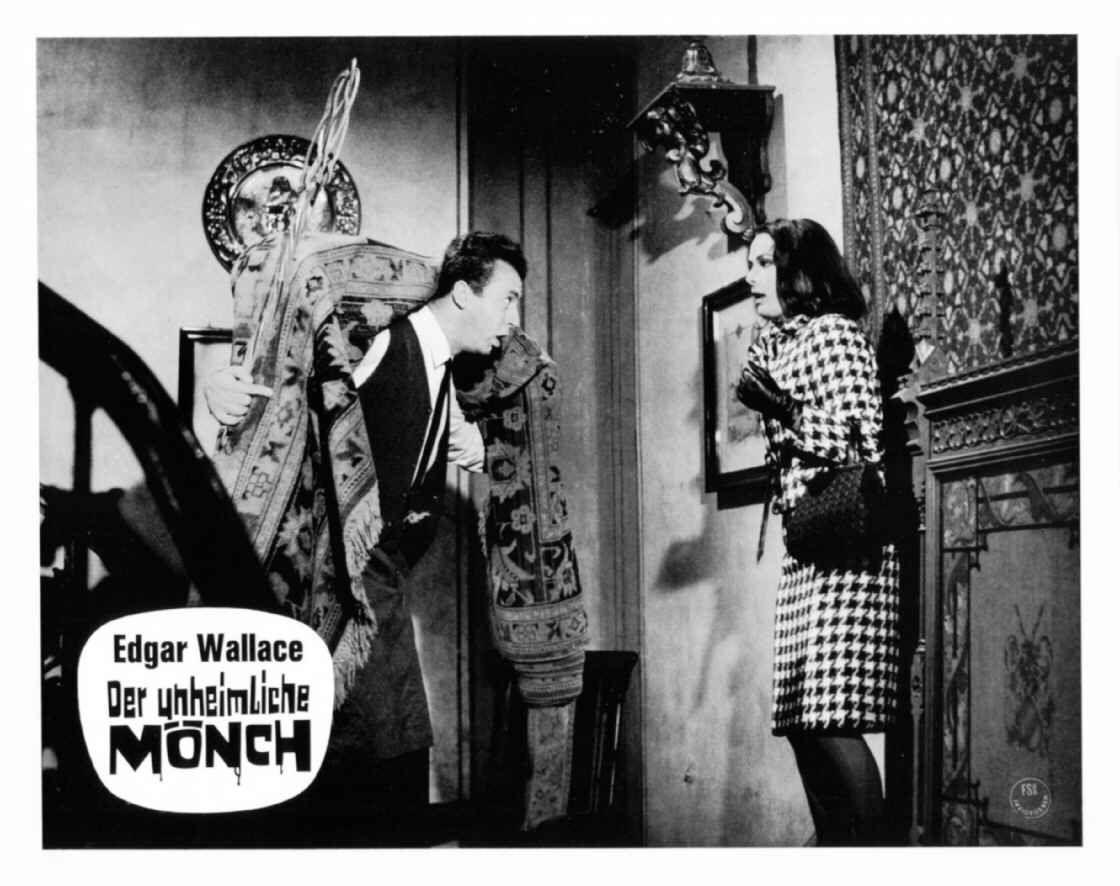 Eddi Arent Karin Dor In Der Unheimliche Monch D 1965 Regie Harald Reinl Winnetou Und Old Shatterhand Unheimliches Monch