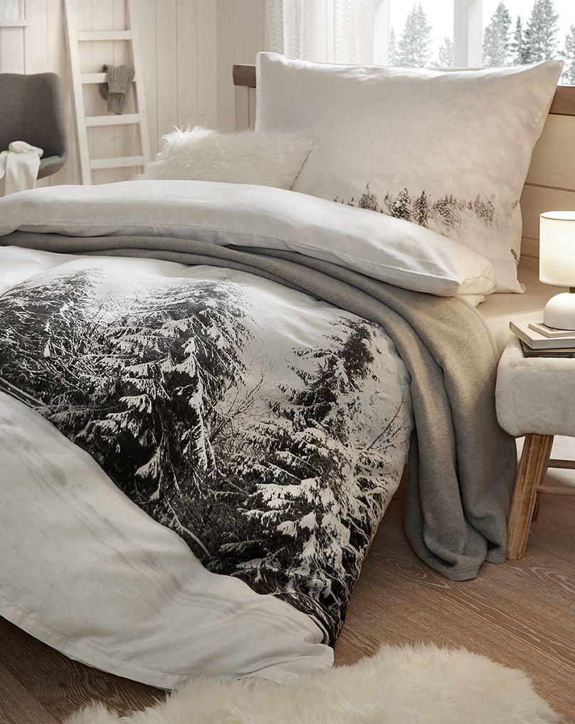 Winterliche Bettwäsche Mit Schneebedeckten Bäumen