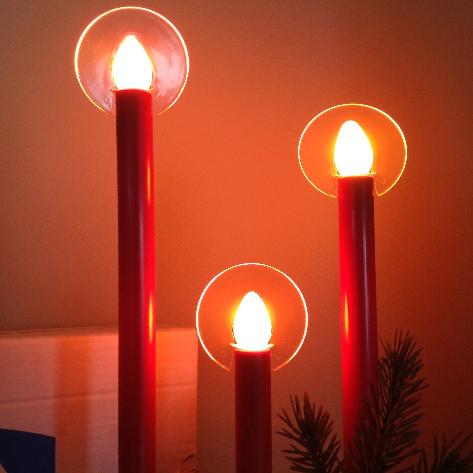 VINTAGE RED 3 LIGHT CHRISTMAS CANDOLIER ELECTRIC CANDLES window candelabra