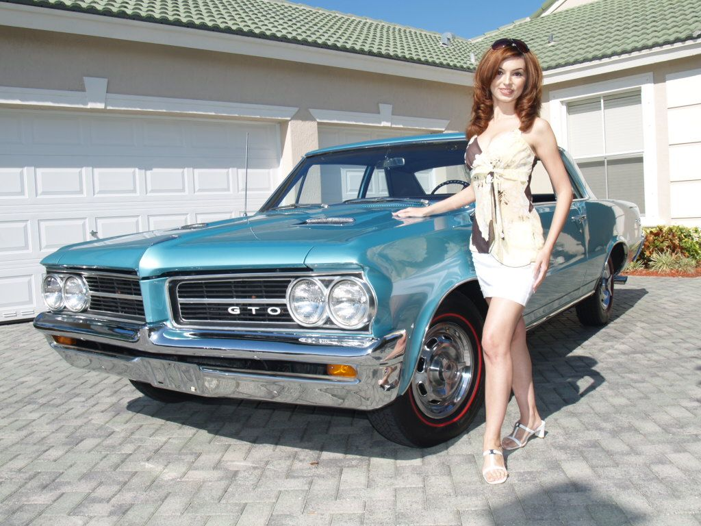 The bing bang in modern muscles s evolution is the 1964 pontiac tempest gto this is where it began a midsize automobile with a big high power marketed as