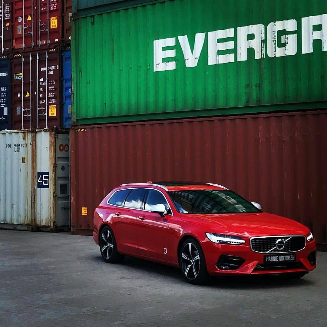 Volvo V90 R Design In Passion Red Volvo World Italia
