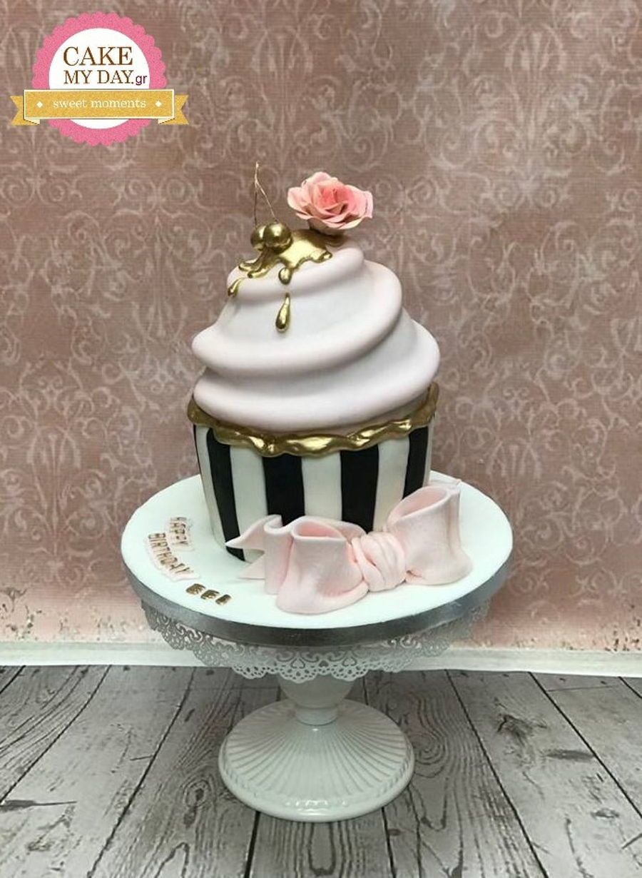 Giant Cupcake Cake With Images Giant Cupcake Cakes Cupcake