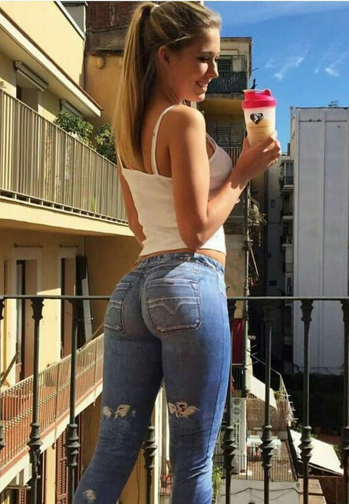 nice teen nude in jeans