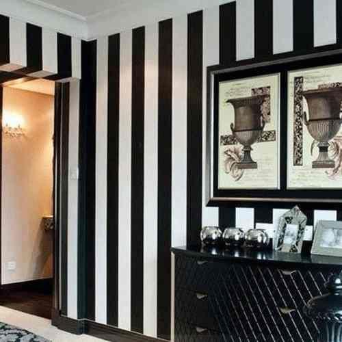 parede listrada preta e branca - Pesquisa Google