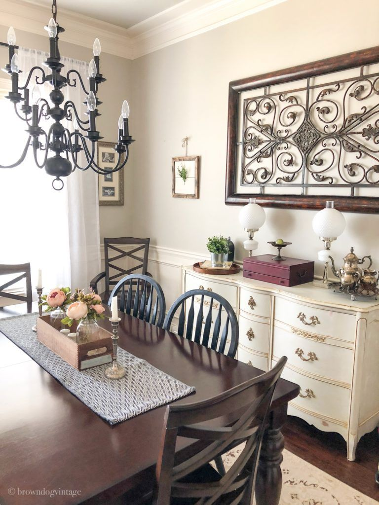 Seven Stunning Ways to Add Farmhouse Style Dining room