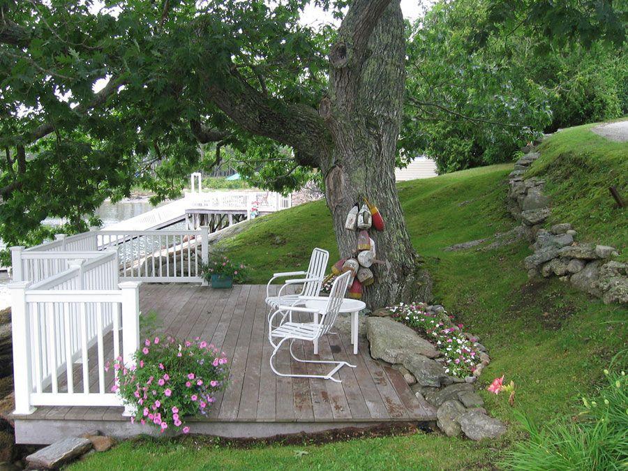 Coastal Cottage Backyard Landscaping Hillside 400 x 300