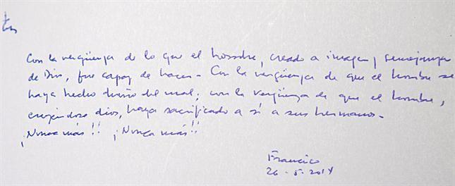 El emotivo mensaje del papa Francisco en el libro de visitas del museo del Holocausto