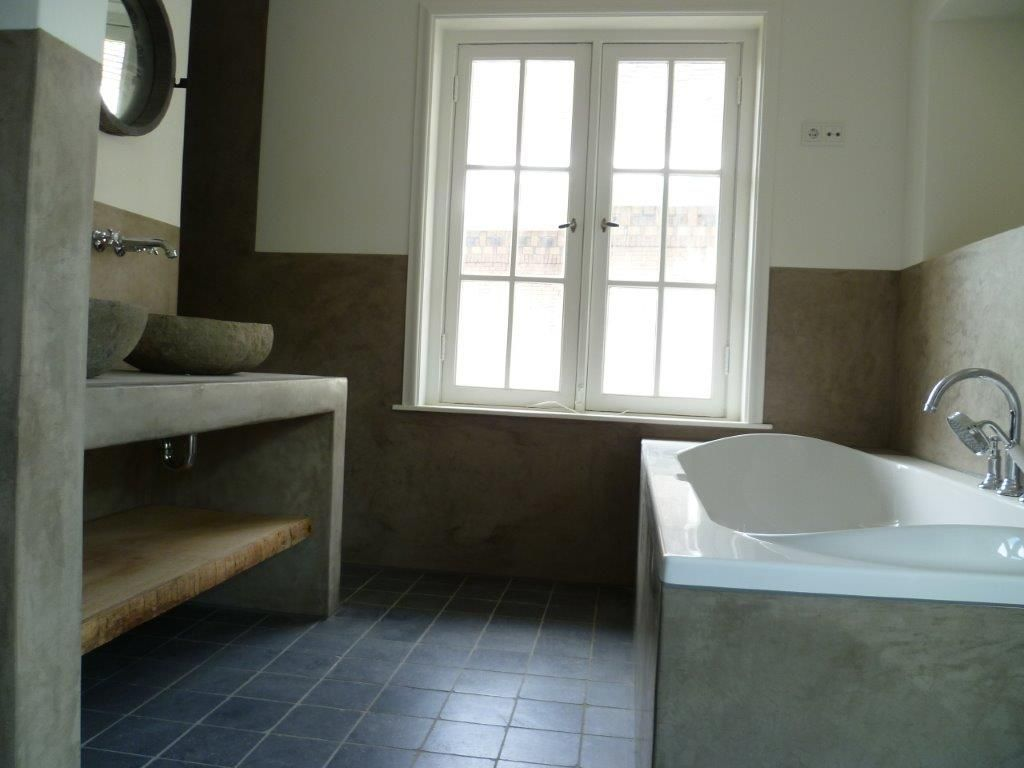 Tadelakt badkamer incl wandverwarming b a t h r o o m pinterest badkamer huizen en zoeken - Kleine badkamer in lengte ...