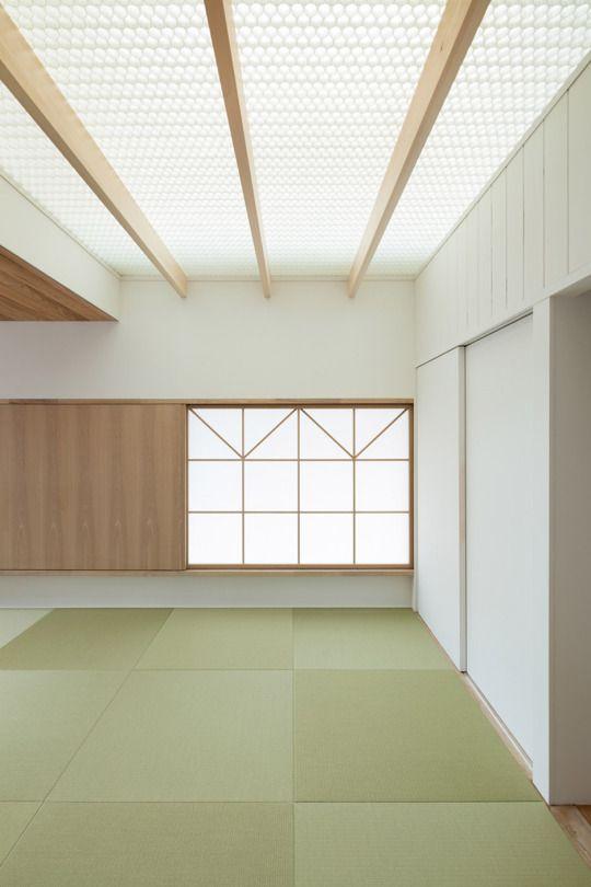 Fragments Of Architecture 屋根窓 和のインテリア 天井の色