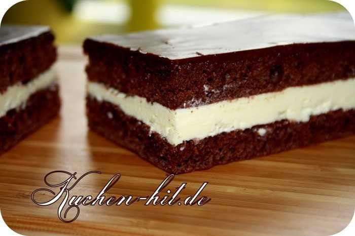 Milchschnittenkuchen Rezept Ein Ausgefallener Kuchen Welcher Der Orginalen Milschnitte Sehr Ahnlich Ist Ein Kuchen Rezepte Kuchen Ausgefallene Krumelkuchen