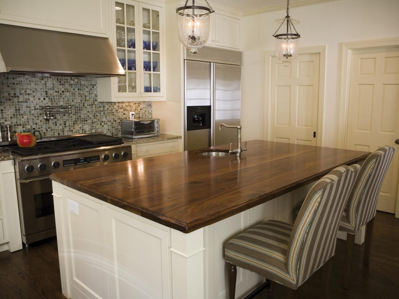 Diy Network Talks About Price Range And The Pros Cons Of Diffe Types Countertopscountertop Materialswood