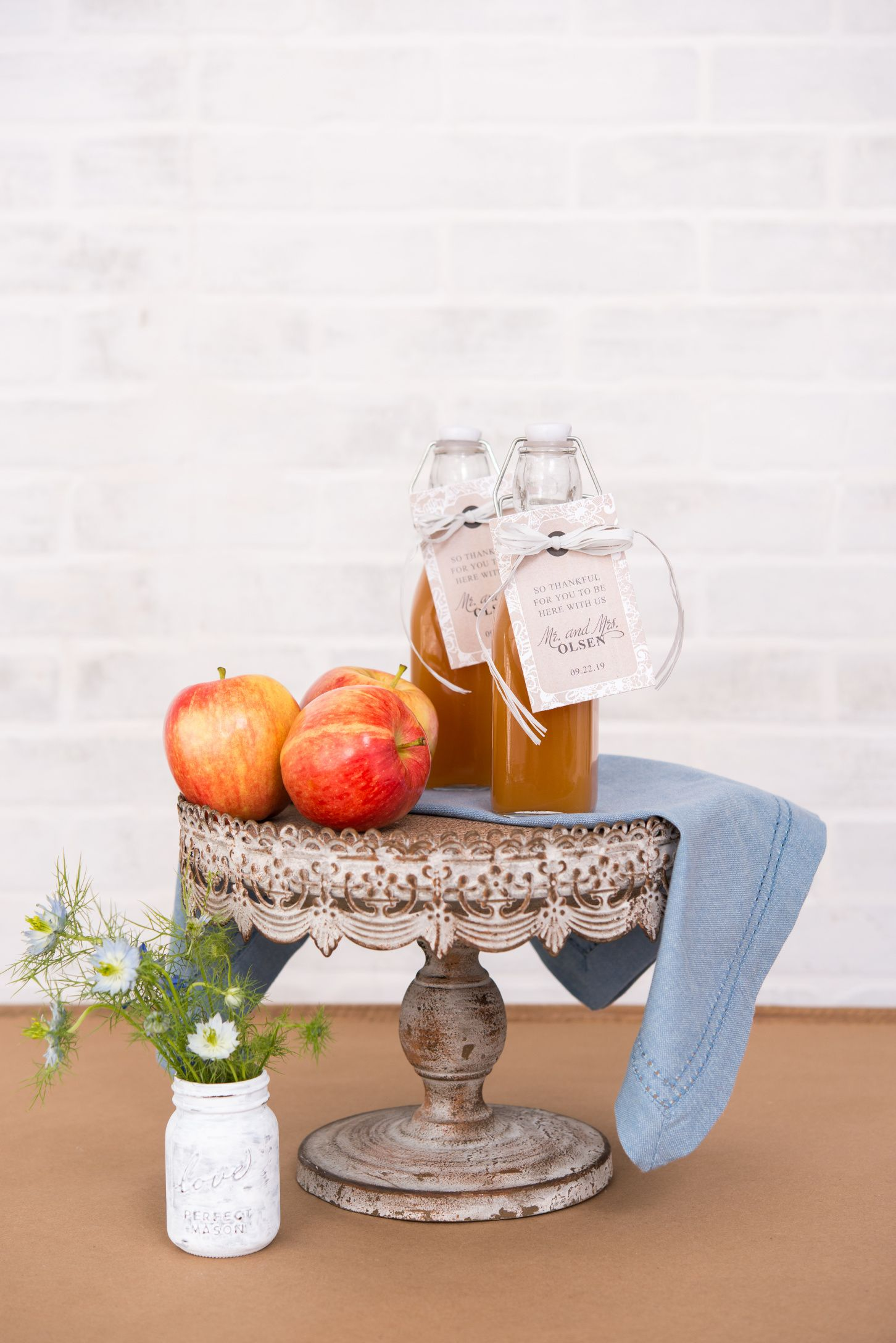 Our vintage water bottles are a versatile addition to any functional reception decor. Perfect for outdoor garden weddings, picnic inspired receptions, or any other style event. Fill them with water or fill them with wine for a casual French vibe.