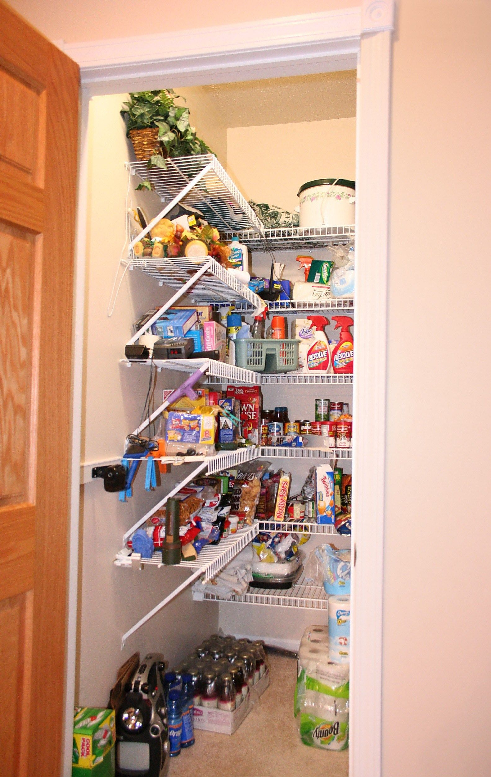 Unique Large Pantry Design Shelves #largepantryideas