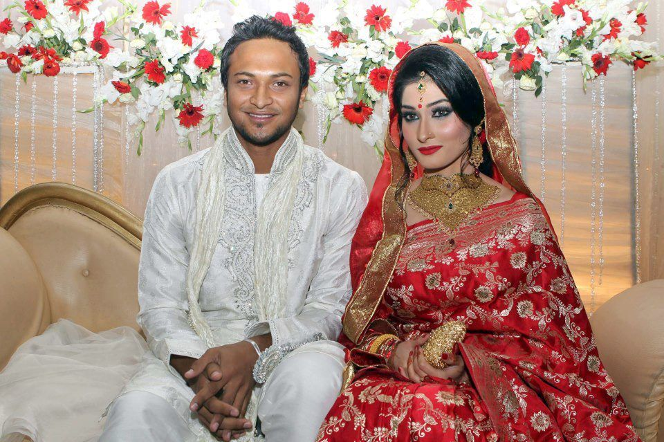 Shakeeb Ul Hasan with his wife Ume Ahmad Shishir Wedding Picture